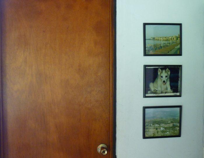 Gu a b sica como colocar cuadros en el hogar elena sevilla - Como colocar cuadros ...